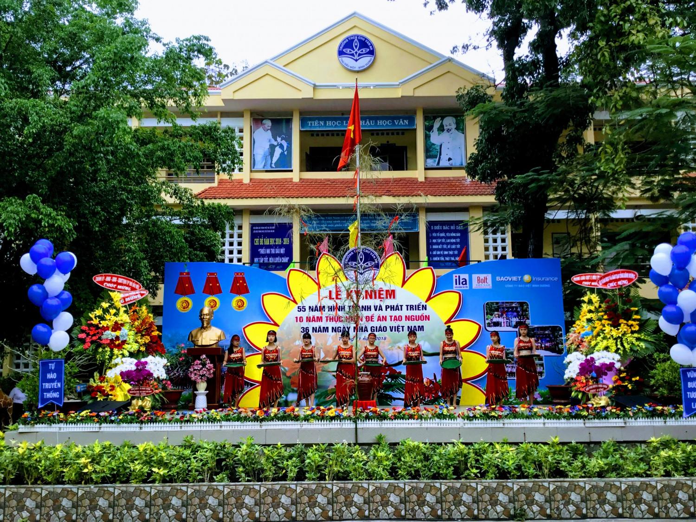 THCS Chu Văn An: Tổ chức Lễ kỷ niệm 55 năm hình thành và phát triển - 10 năm thực hiện đề án Tạo nguồn - 36 năm Ngày Nhà giáo Việt Nam